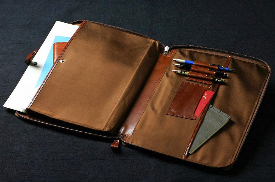 最高品質にこだわる國鞄(こくほう)の鞄は永代保証付。手数料すべて無料の男前製作所Morphoseで。あなたの男ヂカラUPさせます。